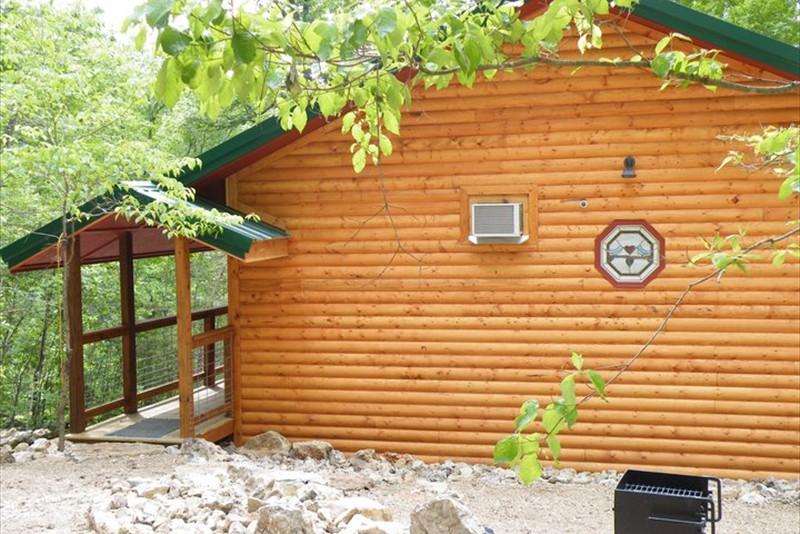 Missouri Vacation Romantic Treehouse Cabin