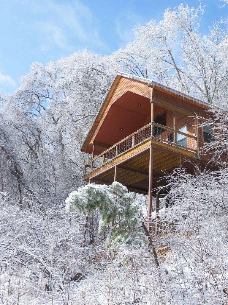 Cedar Chest Treehouse cabin