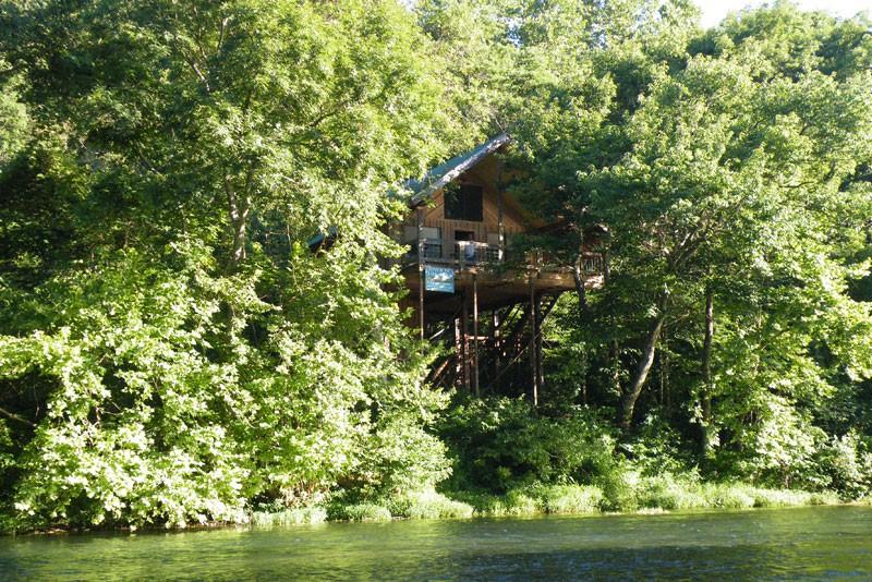Missouri Romantic Treehouse Vacation
