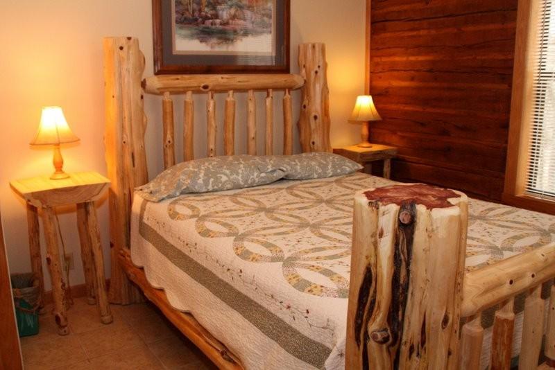 Missouri treehouse cabain vacation resort