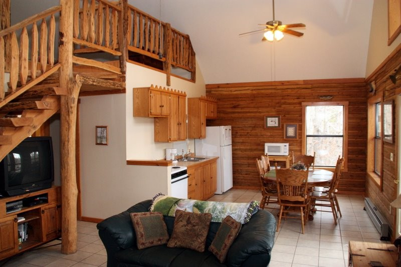 Missouri treehouse cabain vacation resort