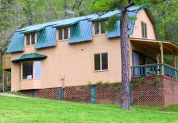Missouri Ozarks family vacation reunion lodging