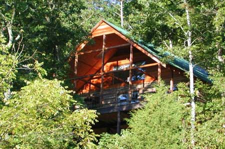 The mountain log cabin lookout secluded luxury lodging for Private trout fishing in missouri