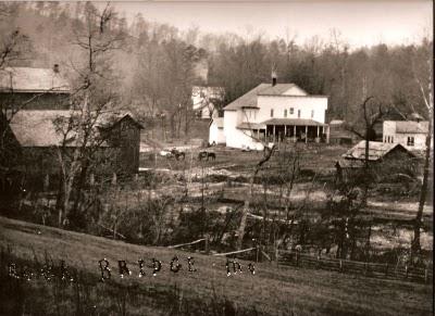 old picture of rockbridge town.jpg