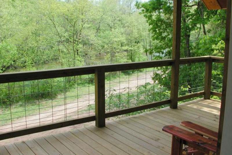 Missouri Ozarks Romantic Treehouse Cabin
