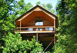 Missouri family vacation treehouse