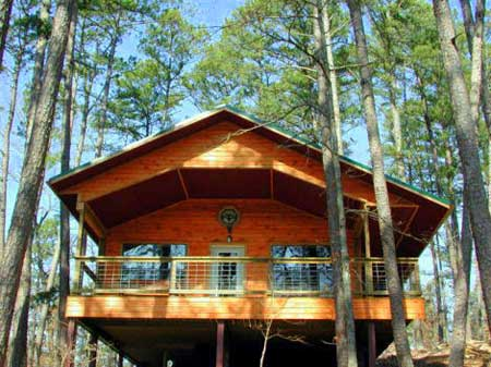 Missouri Ozark Romantic Treehouse Cabin