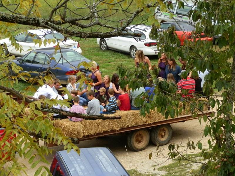 Missouri Ozarks outdoor Weddings & Receptions