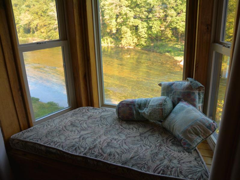 River Lighthouse Window Seat