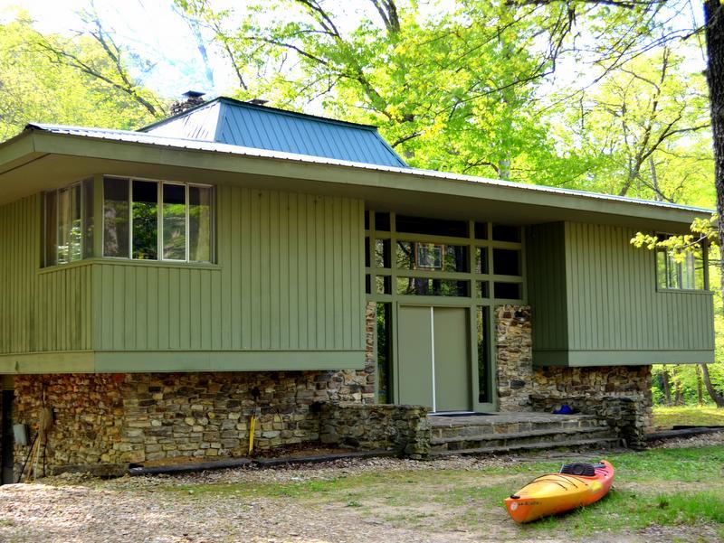 Missouri Rainbow Springs Lodge