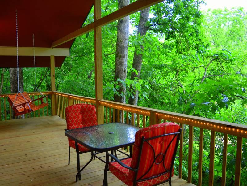 Missouri Romantic Treehouse Cabins