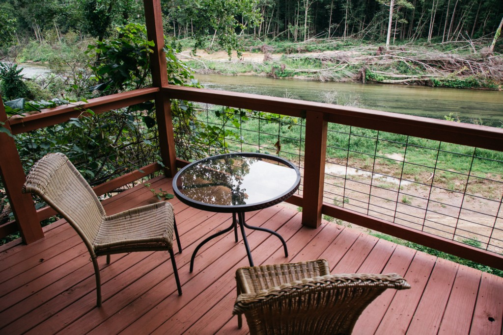 Missouri Treehouse Cabin Cedar Chest