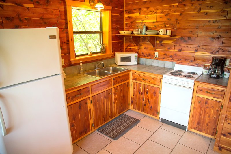 Missouri Romantic Treehouse Cabin Whispering Pine