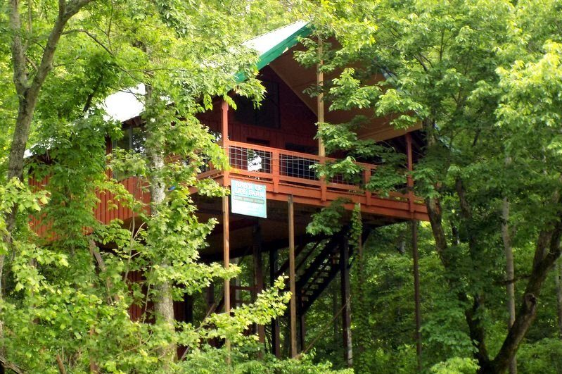 Missouri Romantic Treehouse Cabin Hideaway