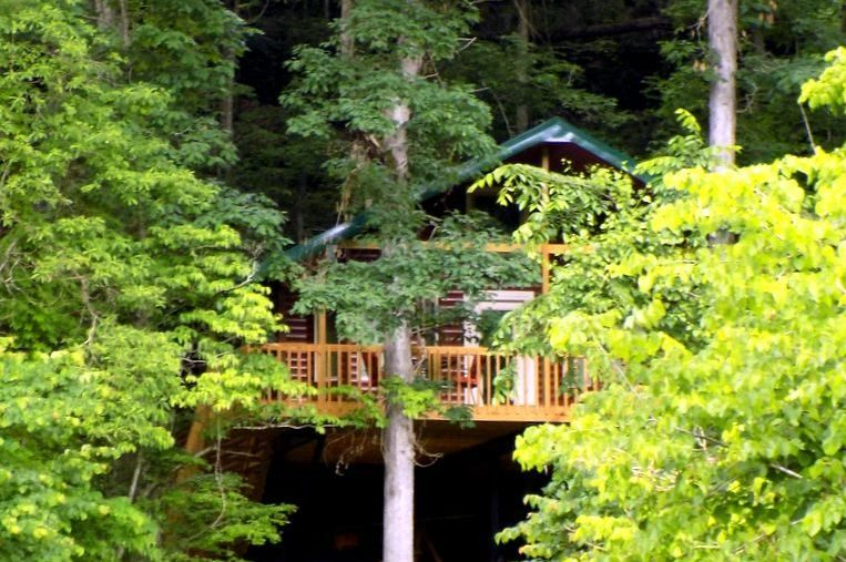 Missouri Romantic Treehouse Cabin White Oak