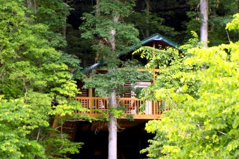Missouri Romantic Treehouse Cabin White Oak