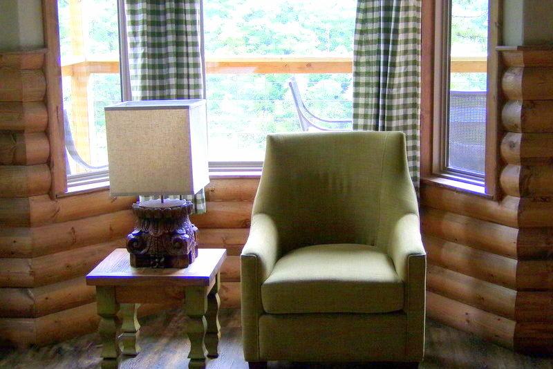 Missouri Wisteria Treehouse Cabin