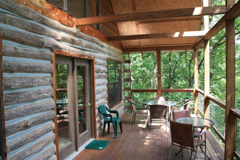 Mountain Log Lookout Missouri Treehouse Cabin