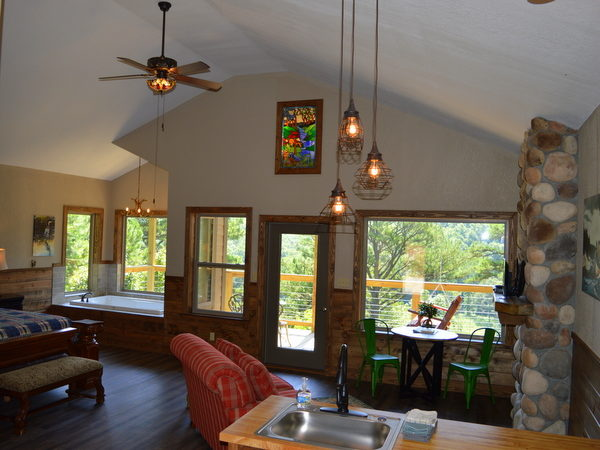 Missouri Romantic Treehouse Cabin River Falls