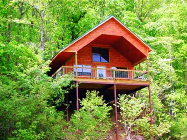 Missouri Cedar Chest treehouse cabin romantic