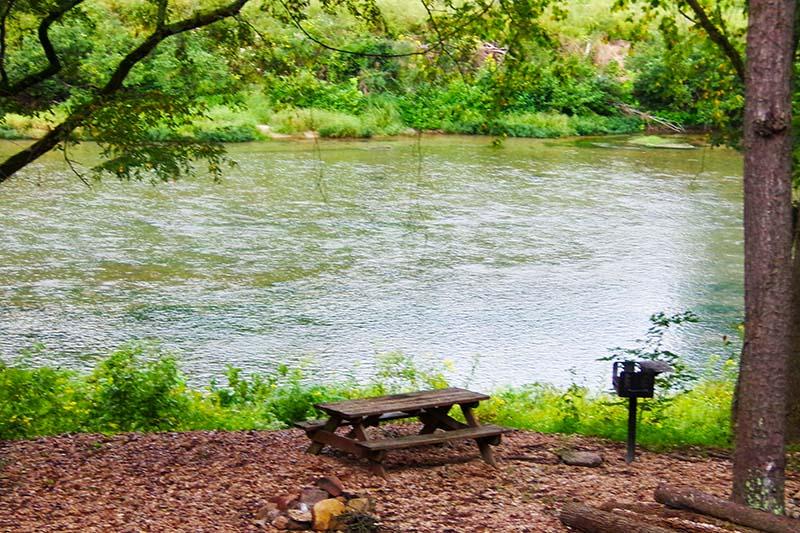 Missouri North Fork River Treehouse Cabin