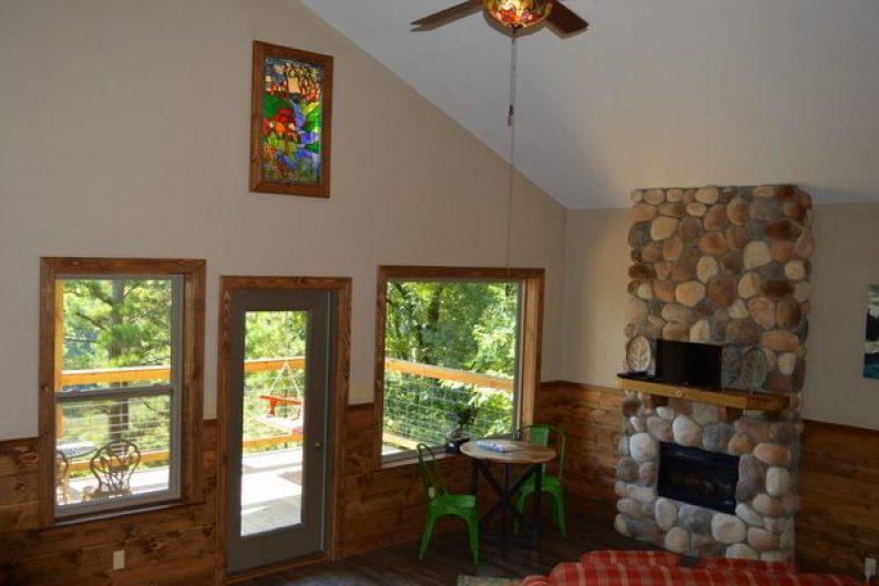 River Falls Cabin 001-003
