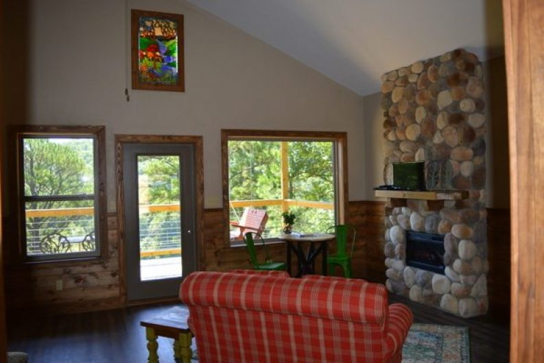 River Falls Cabin 001-007