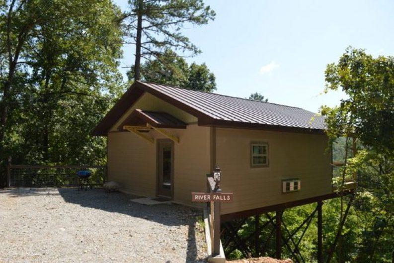 River Falls Cabin 001